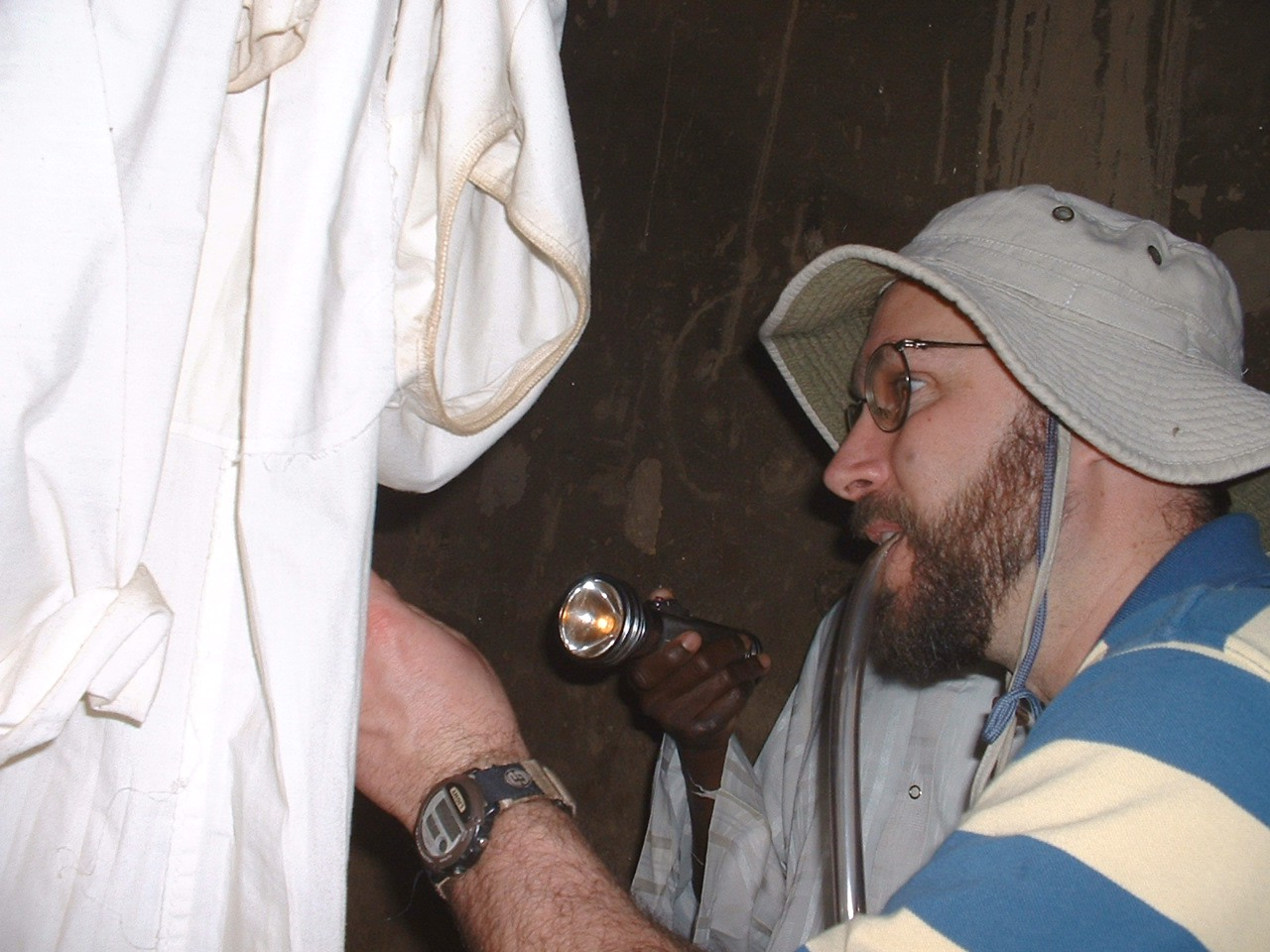 Tovi collecting mosquitoes (Bamako, 2004)